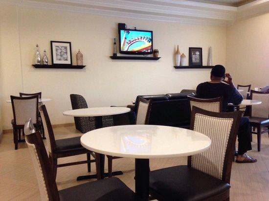 La Quinta Inn & Suites Inglewood: Dining area
