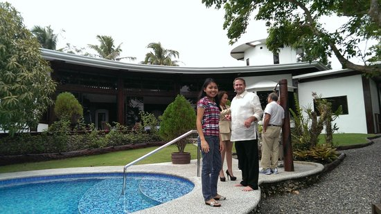 Padre Burgos Castle Resort: family and friends