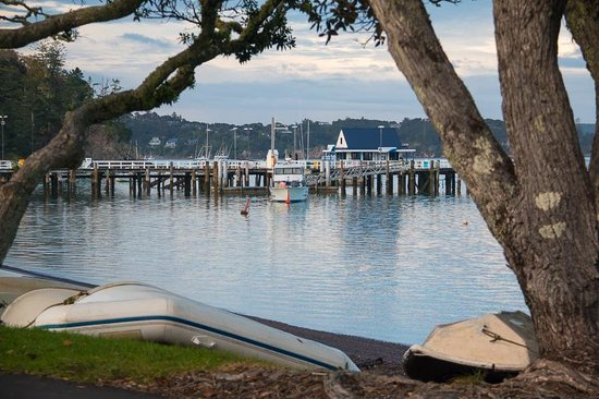 Russell TOP 10 Holiday Park: Beautiful Russell Bay