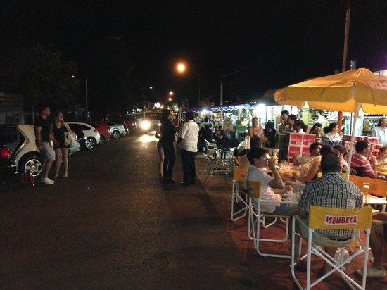 Puerto Iguazú Arts and Crafts Market : Feirinha...