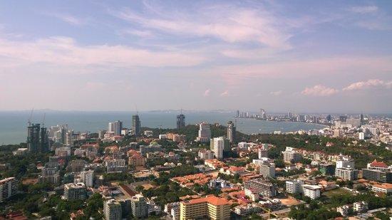 Centara Pattaya Hotel: Вид на Паттайю с Park Tower