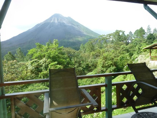 Arenal Observatory Lodge & Spa : View from the Smithsonian Room
