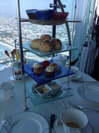 Skyview Bar : cakes and scones with a view