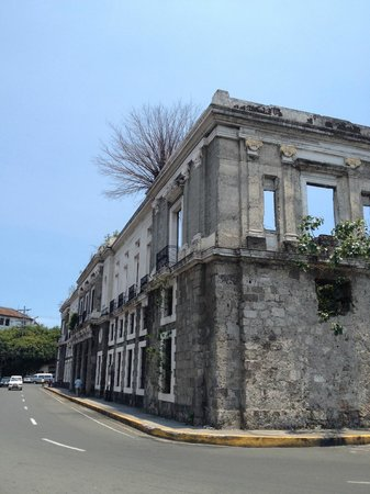 Bambike Ecotours Intramuros: Aduana - Customs house
