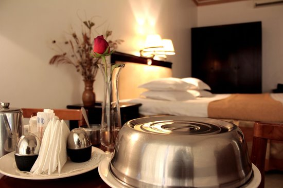 Hotel Sojovalo: Enjoy in-room dining with our extensive room service menu.