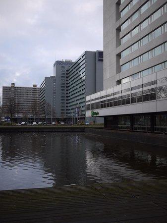 Holiday Inn Amsterdam: Exterior