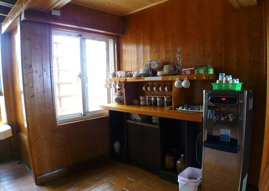 Dingdai Glass Vacation Villa : self service coffee/tea