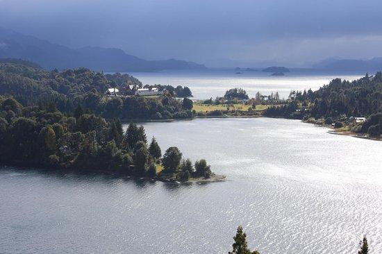 Punto Panorámico (Mirador & Bar): Preciosa vista del hotel y los lagos.