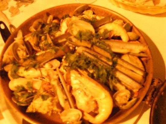 Grupo Naval de Olhão - Restaurante: Cataplana poisson et fruits de mer pour 2