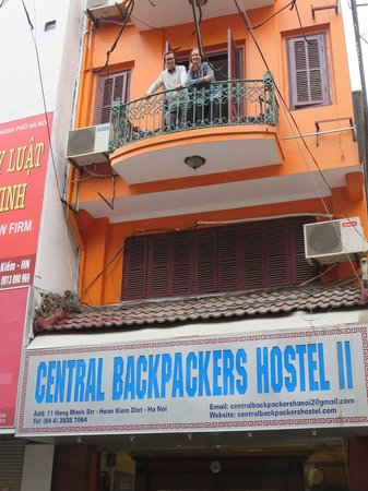 Central Backpackers Hostel - Original: Balcony of our room