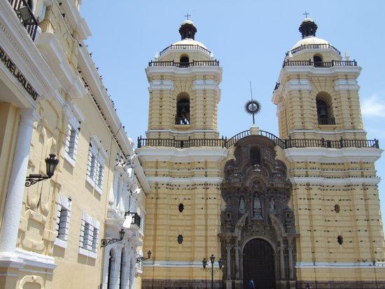 Discovering Peru: Iglesia San Francisco