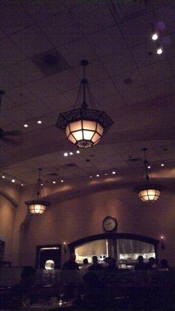 Village California Bistro and Wine Bar: Interior