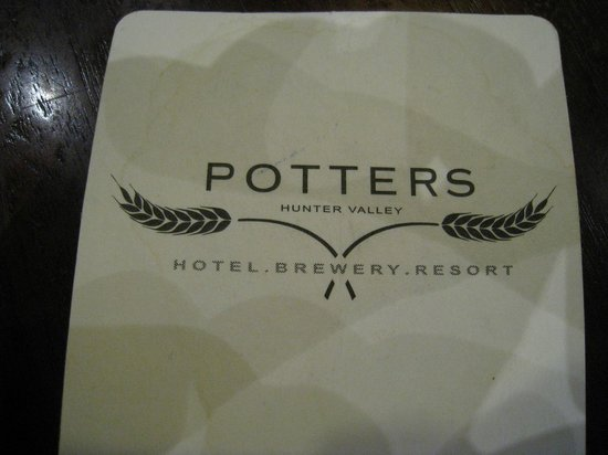 Potters Hotel & Brewery: コースター