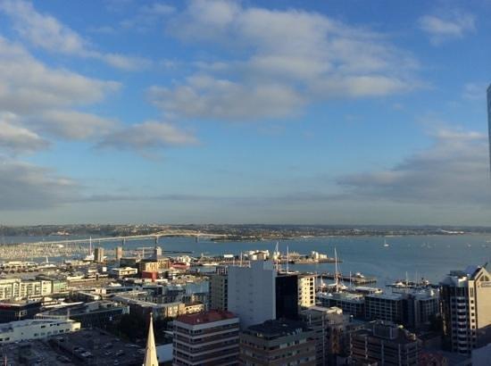 Barclay Suites Auckland: барклай сьютс. панорамный вид