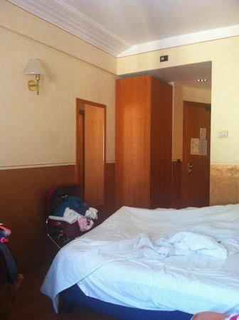 Amadeus Hotel : Scusate il disordine!