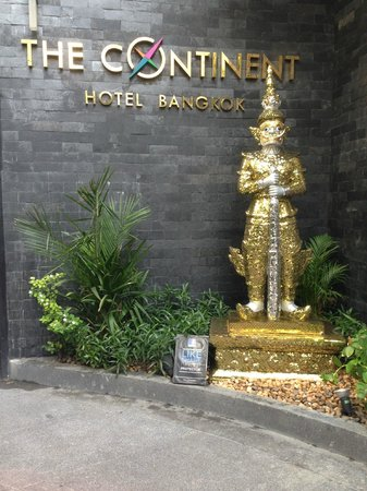 The Continent Hotel Bangkok by Compass Hospitality: Entrance