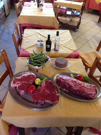 Ristorante da Padellina: bistecca alla fiorentina tagliata di manzo e baccelli e pecorino