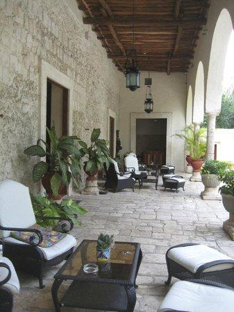 Hacienda Chichen: Seating area