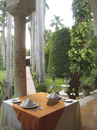 Hacienda Chichen: Beautiful Gardens
