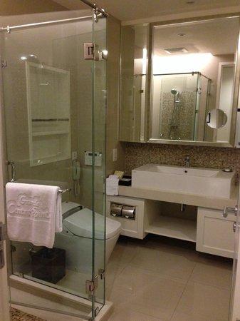 Grande Centre Point Terminal 21 : Bathroom