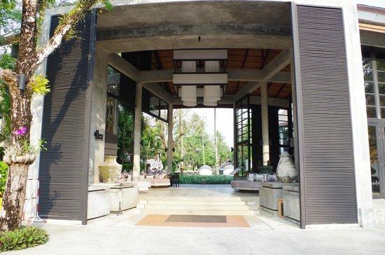 The Dewa Koh Chang : la réception ouverte sur l'extérieur