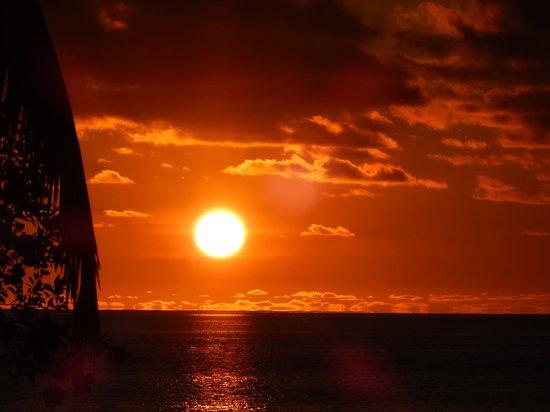 Lomani Island Resort: Amazing sunsets