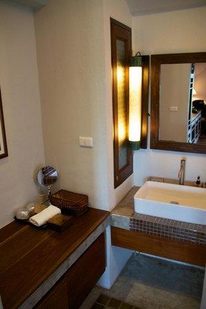 The Balcony Chiang Mai Village: Bathroom