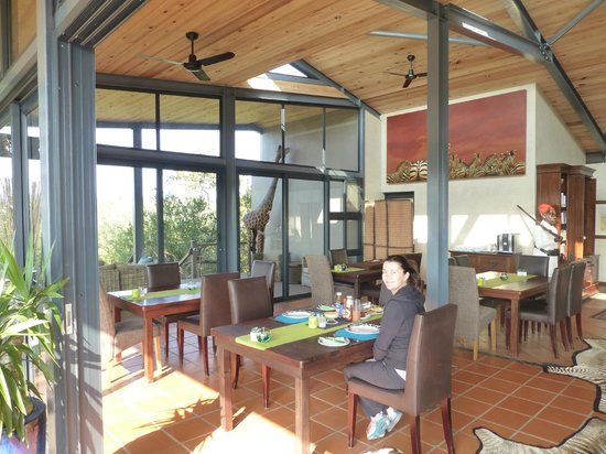 Greenfire Game Lodge: Lodge Dining area