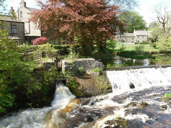 The Devonshire Fell Hotel: The Falls at Linton