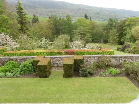 The Devonshire Fell Hotel: Parcevall Hall Gardens