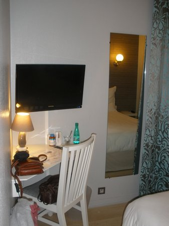 Hotel de l'Europe : TV, bureau