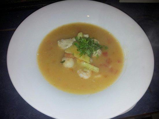 Makona Restaurant : Sopa makona con atun y matahuira ! Una delicia !!
