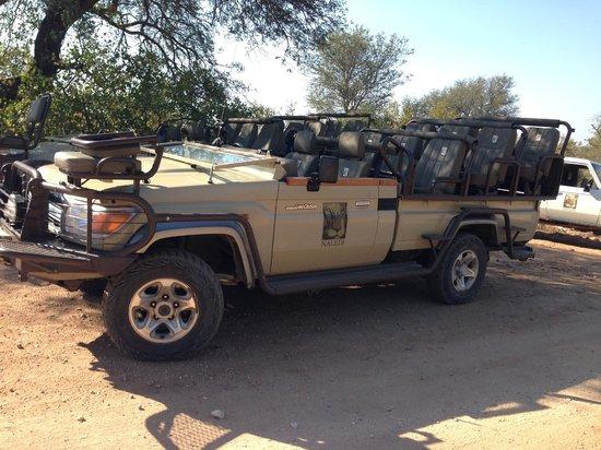 Naledi Bushcamp and Enkoveni Camp: The safari vehicle.