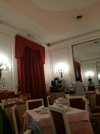 Bettoja Massimo D'Azeglio Hotel: Sala colazione