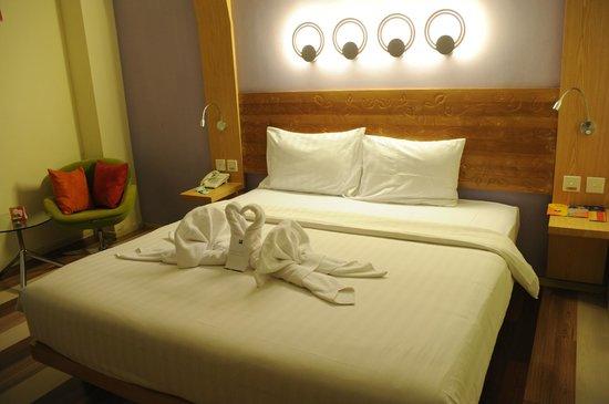 Ibis Styles Yogyakarta: ベッドメイク後には日本語(ローマ字)で感謝のメッセージが。