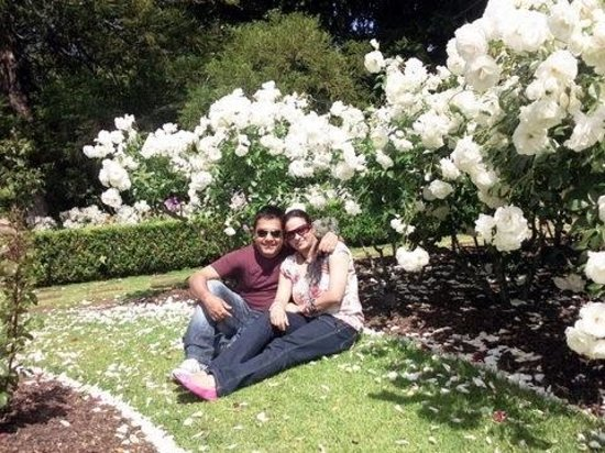 Parnell Rose Gardens: Me with wife
