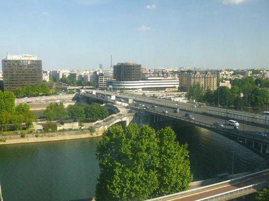 Novotel Paris La Defense: 窓からの眺め