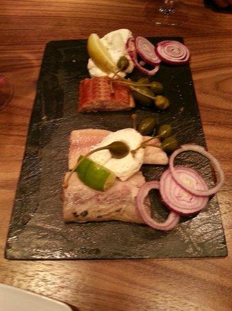 Mercure Warsaw Grand: Smoked fish planches Winestone