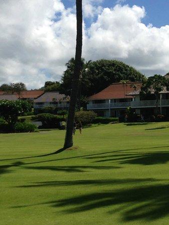 Kiahuna Plantation Resort: Bungalow View