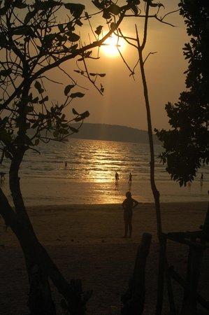 PhraNang Cave Beach : Atardecer