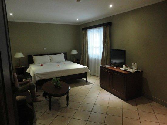 Berjaya Praslin Resort - Seychelles: chambre de luxe rez de chaussée