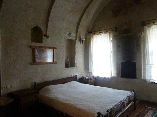 The Village Cave Hotel: Habitacion