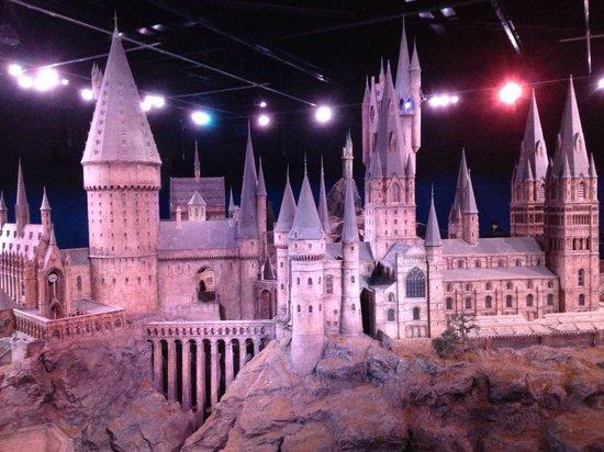 Warner Bros. Studio Tour London - The Making of Harry Potter: Maquete da escola