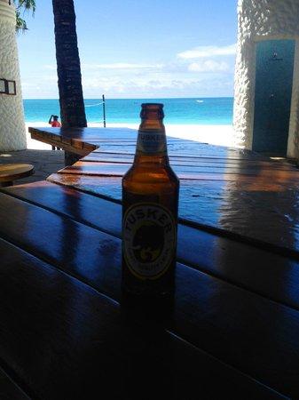 Southern Palms Beach Resort: Closest bar i found to the beach hehe