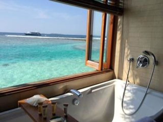 Sheraton Maldives Full Moon Resort & Spa: View from our water bungalow's tub