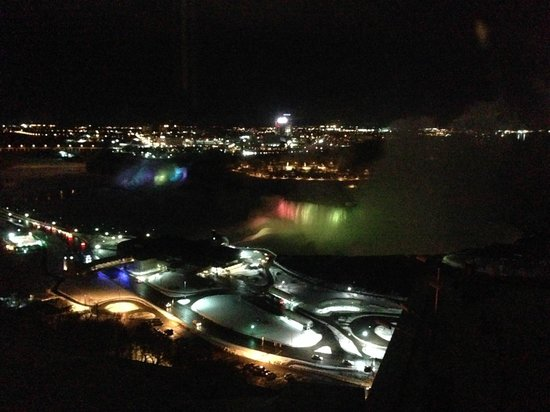 Niagara Falls Marriott on the Falls: night view