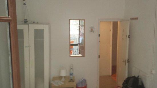 MapaMundo Barcelona: Internal of room