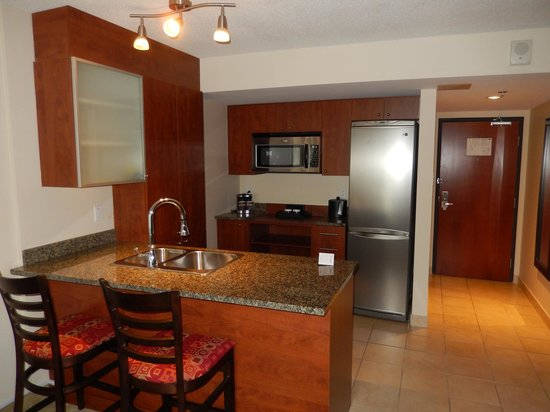 Embassy Suites by Hilton Montreal: spacious