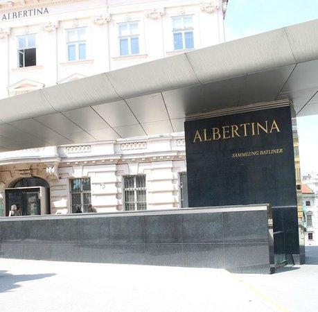 Albertina: Вход