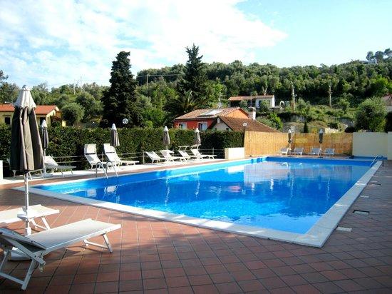 Hotel Metropol : La piscina